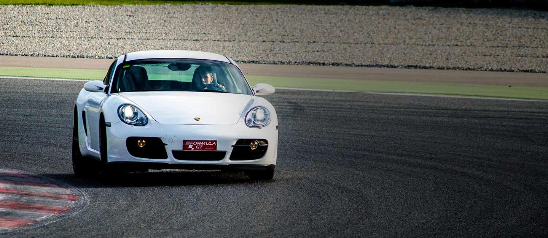 Conducir un Porshce Cayman en el Circuit de Barcelona-Catalunya de Montmeló